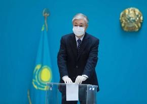 Qazaxıstan prezidenti parlament seçkilərində səs verib