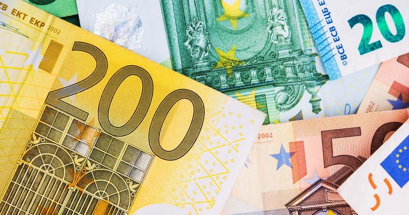 Euro-Dollar at highest since April 2018