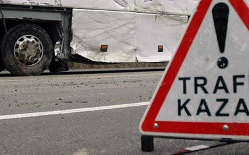 9 people killed, 28 injured as bus overturns in Turkey