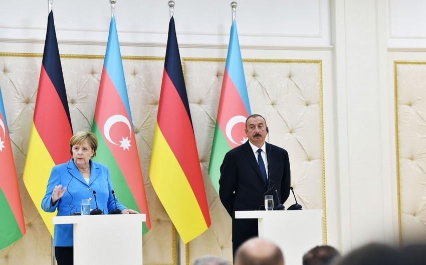 Merkel: Ermənistanda yeni hökumətin qurulması Qarabağ üzrə danışıqlara təkan verə bilər