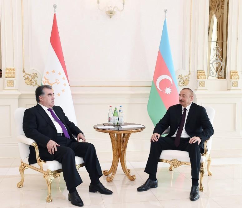 Prezident İlham Əliyev Tacikistanın dövlət başçısını təbrik edib
