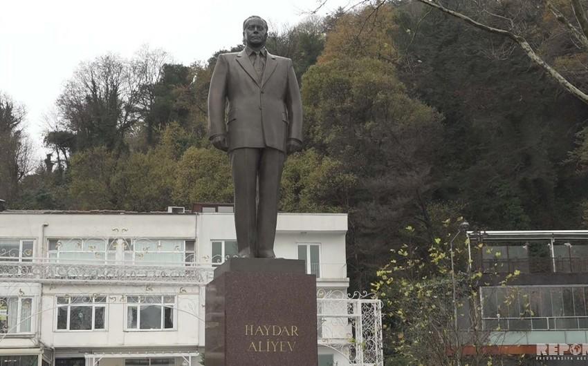 İstanbul və İzmirdə ümummilli lider Heydər Əliyevin anım mərasimi keçirilib