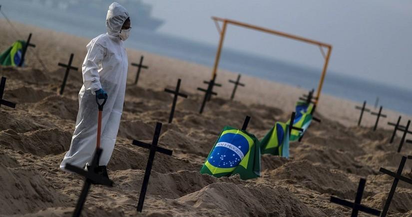 В Бразилии число умерших от COVID-19 превысило 72 тысячи