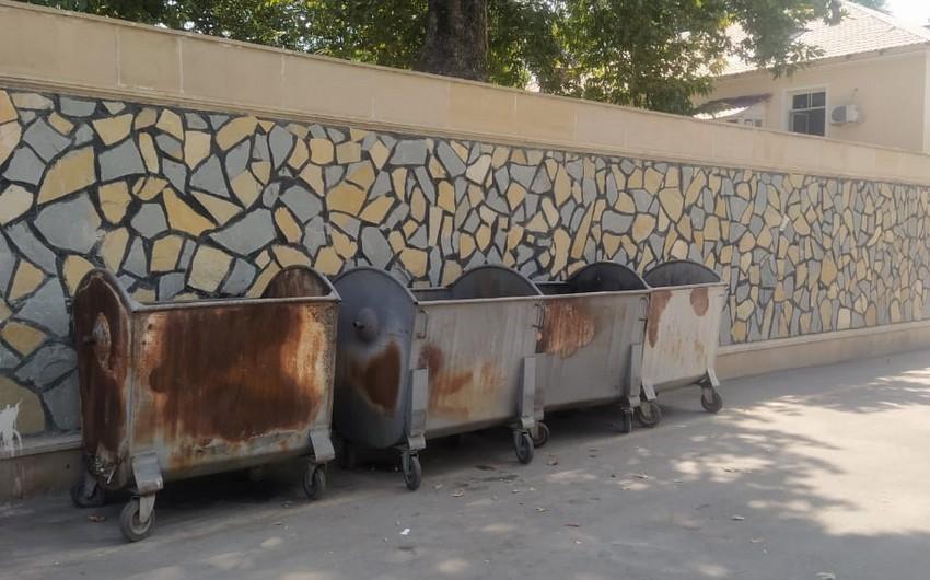 Bərdədə tullantıların qalaqlandığı ərazilərə əlavə konteynerlərin yerləşdirilməsi göstərişi verilib