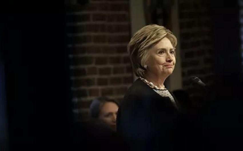 Cамолет с Клинтон на борту совершил экстренную посадку в Нью-Йорке