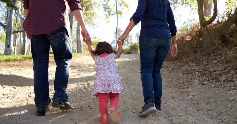 В Азербайджане упрощена процедура усыновления детей родственниками