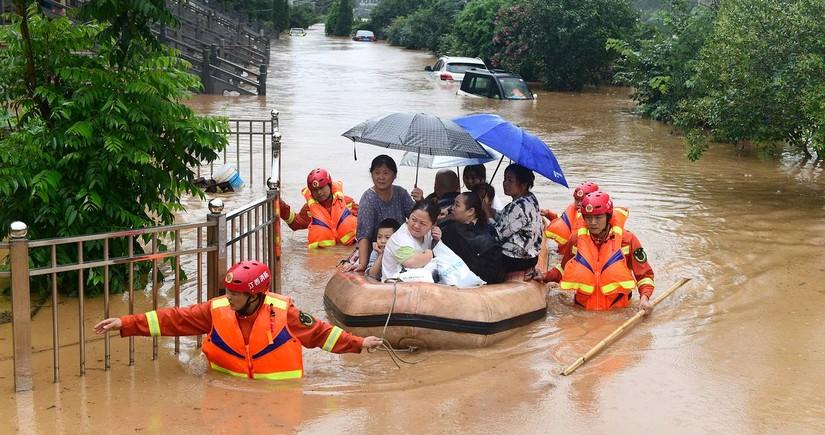 Число погибших из-за наводнений в китайской провинции Хэнань возросло до 63