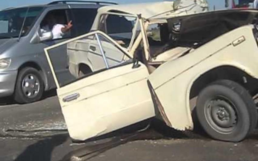 Salyanda iki avtomobil toqquşub, sürücülərdən biri yaralanıb