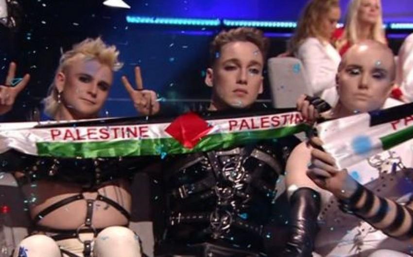 Madonna və islandiyalılar Eurovisionun finalında Fələstin bayrağı nümayiş etdiriblər