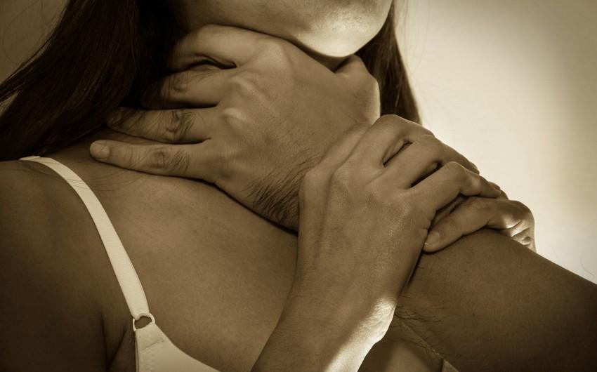 В Баку муж из ревности задушил жену