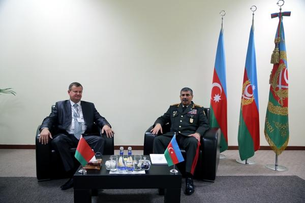 Azerbaijani Defense Minister met with his Belarusian counterpart