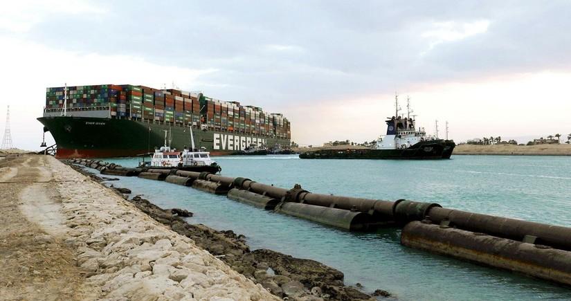 Süveyş kanalını bağlayan gəmi müsadirə edilib