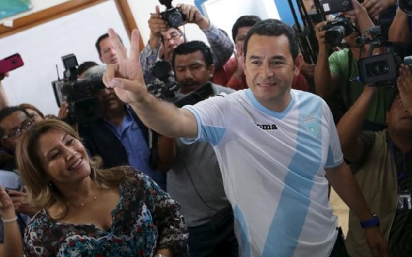 Aktyor Cimmi Morales Qvatemalanın 50-ci prezidenti seçildi