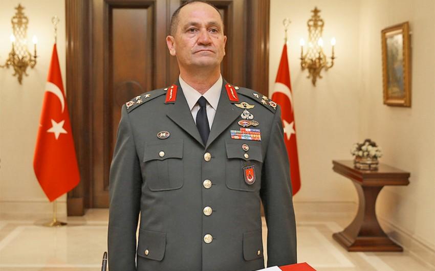 Türkiyəli general terrorçulardan təmizlənən Burseya dağına baş çəkib
