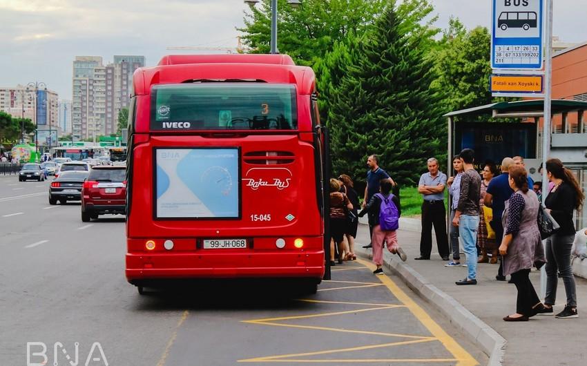 Bakıda daha bir avtobus dayanacağının yeri dəyişdirilib