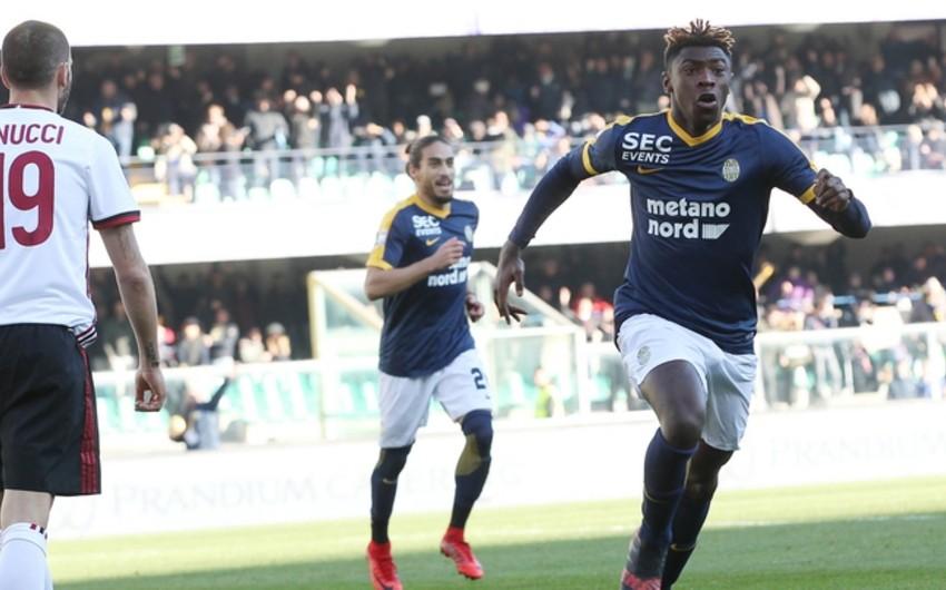 Милан потерпел разгромное поражение от Вероны в матче Серии А - ВИДЕО
