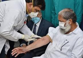 Hindistanda dövlət rəsmisi virusa qarşı vaksindən sonra COVID-19-a yoluxub