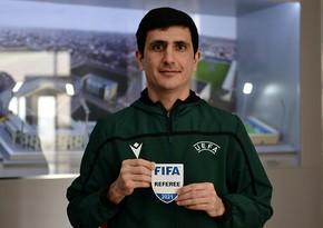 Azərbaycanlı hakimlərə FIFA emblemi verildi
