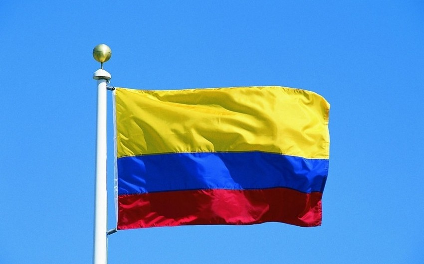 Kolumbiya prezidenti ölkənin Venesueladakı səfirini geri çağırıb