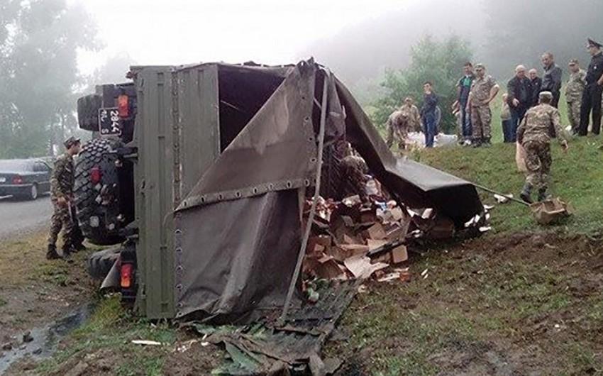 Ermənistanda hərbi yük maşını aşıb, 11 hərbçi yaralanıb