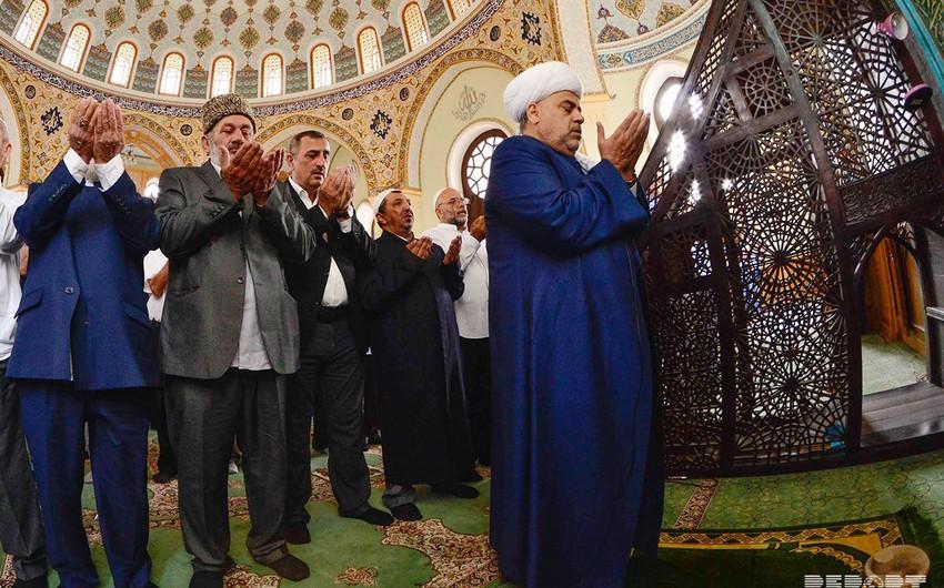 Eid al-Fitr prayer performed at Taza Pir Mosque, Baku