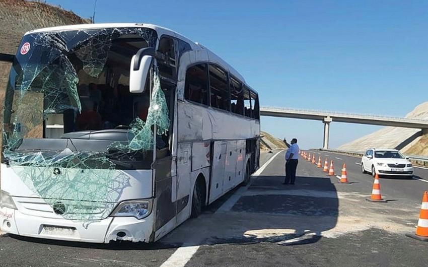 Türkiyədə sərnişin avtobusu aşıb, 14 nəfər ölüb