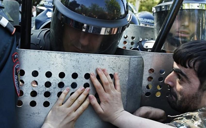 Yerevandakı toqquşmalarda xəsarət alan 12 nəfər xəstəxanada müalicə olunur