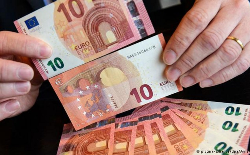 Gold and Euro drop in price