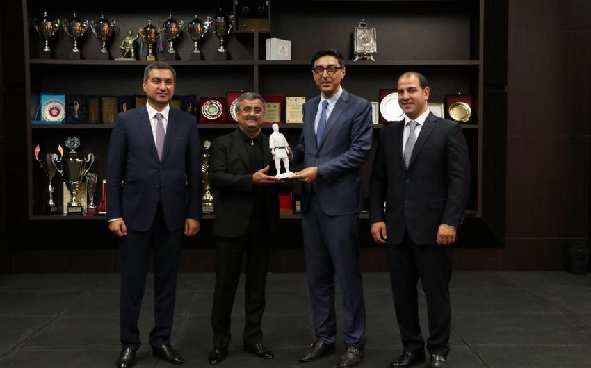 Fərid Qayıbov cüdo federasiyasının fəaliyyəti və Bakı Olimpiya Stadionu ilə tanış olub