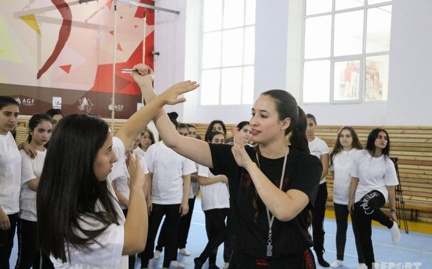 Israeli instructor holds master class on self-defense for women in Baku - PHOTO