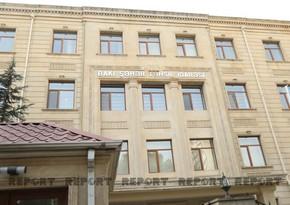 Директора бакинской школы сняли с должности за недочеты в работе