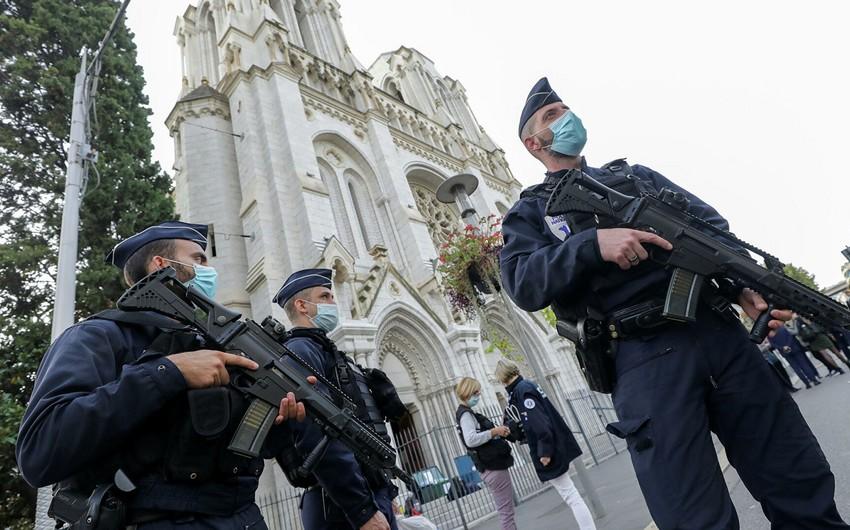 Fransa sərhəd nəzarətini gücləndirir