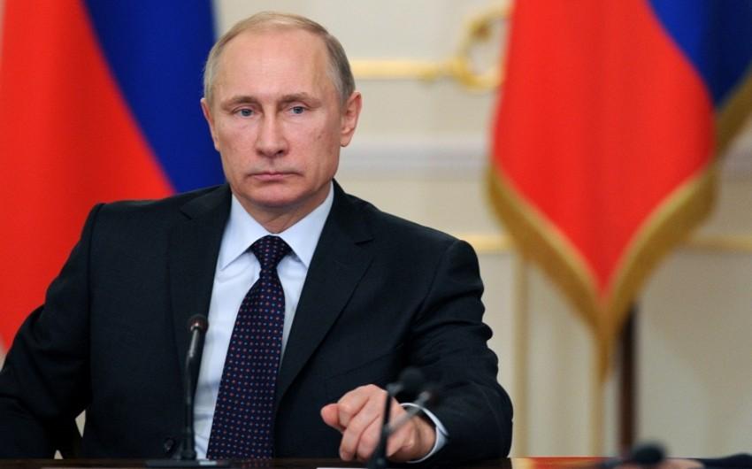 Putin Təhlükəsizlik Şurasının operativ müşavirəsini keçirir