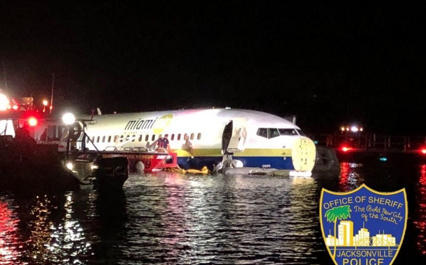 ABŞ-da Boeing 737 tipli sərnişin təyyarəsi çaya düşüb