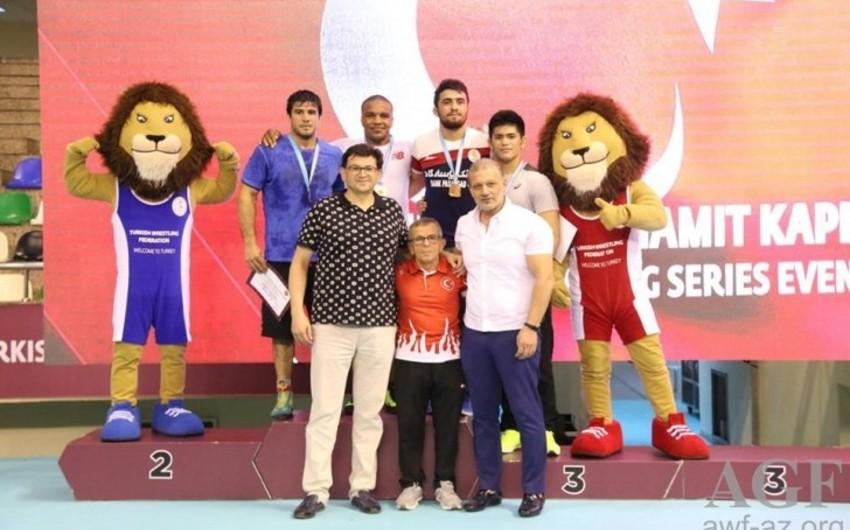 Azerbaijani wrestlers win 5 medals in Istanbul