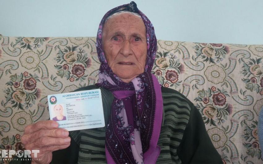 111-летняя жительница Лянкярана приняла участие в выборах - ФОТО