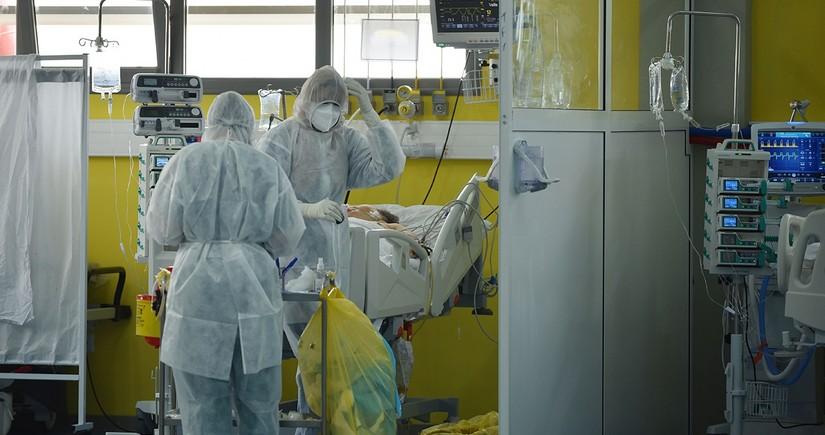 Gürcüstandakoronavirusa yoluxan əkizlər ölüb