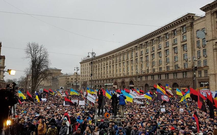 Kiyevdə Saakaşvili tərəfdarları ilə polis arasında toqquşma olub - VİDEO - YENİLƏNİB