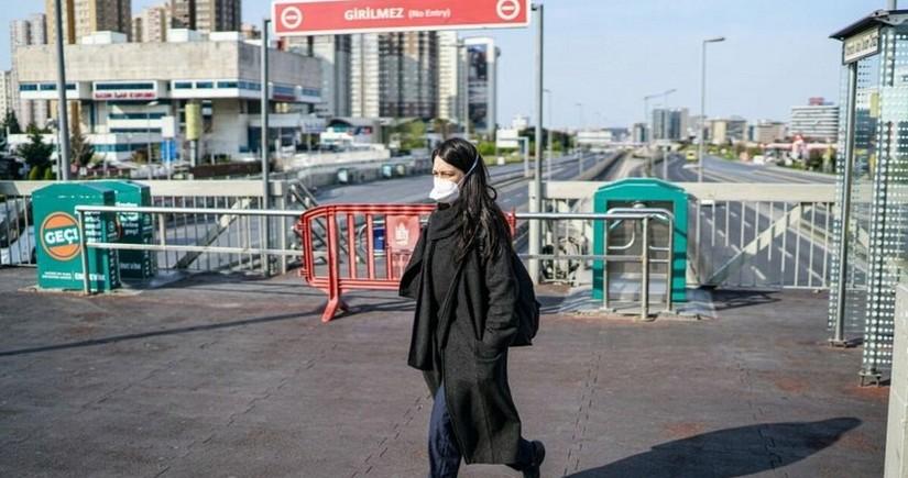 В Турции зафиксировали максимальный прирост заразившихся COVID-19