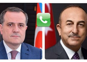Azerbaijani, Turkish FMs hold phone talk