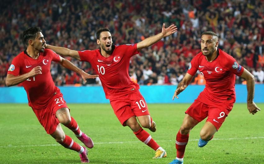Yuventus Türkiyə millisinin daha bir üzvünü transfer etmək istəyir