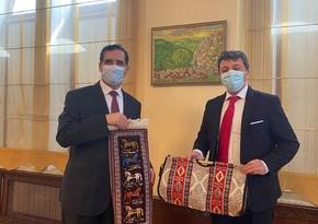 Глава Азербайджанской общины Нагорного Карабаха встретился с послом Турции