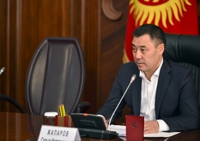 Kyrgyz president orders to modernize water intake on Tajik border