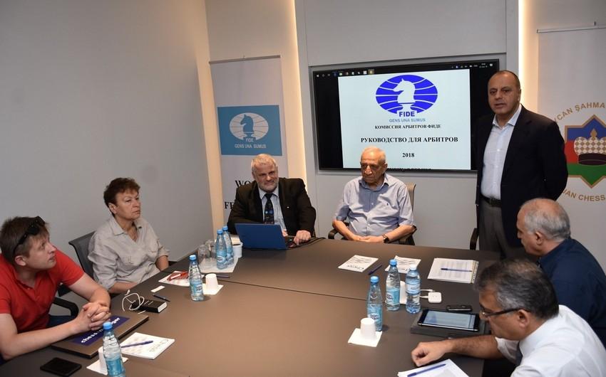 FIDE Bakıda seminar keçirir