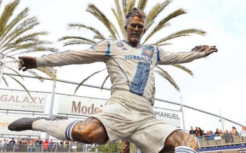 В Лос-Анджелесе открыли памятник Бекхэму