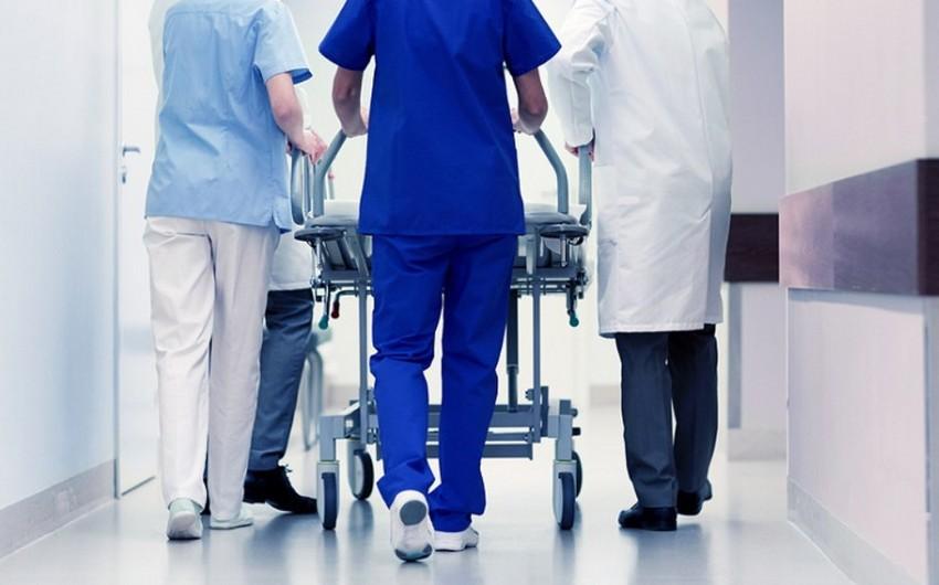 Səbail rayonunda 50 yaşlı kişi bıçaqla boynunu kəsdi