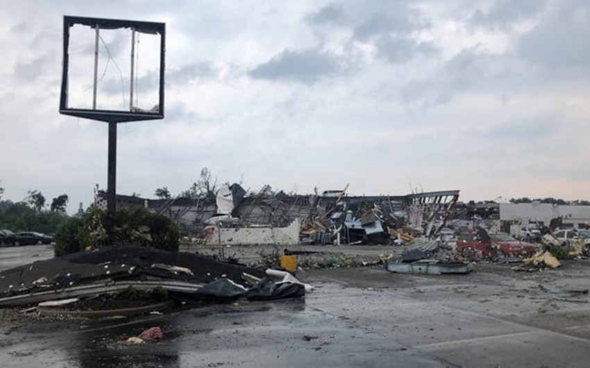 Strong tornado leaves path of destruction in US, injuring several