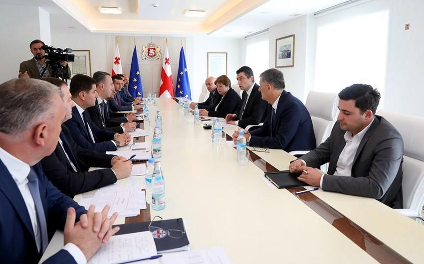 Gürcüstanın baş naziri qubernatorlara bölgələrdəki problemləri həll etməyi tapşırıb