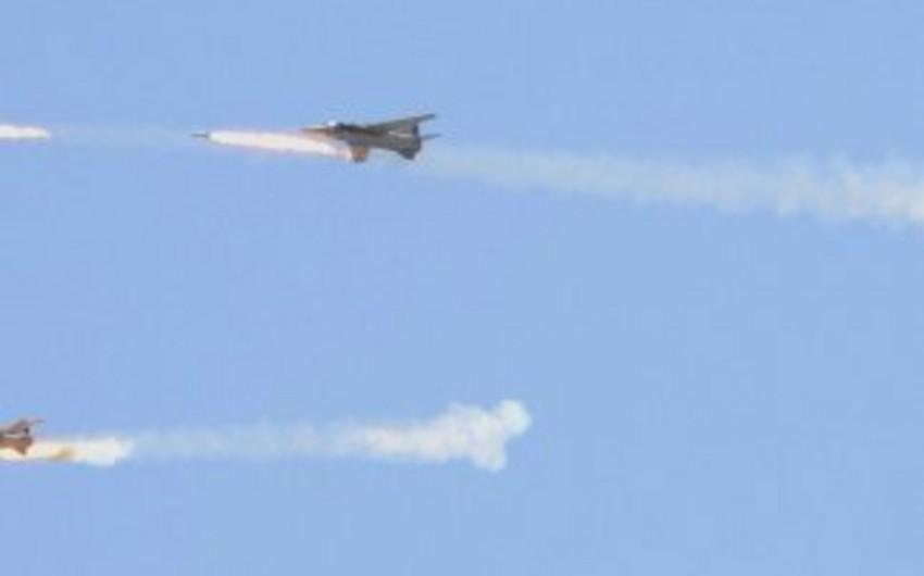 Suriya aviasiyası İŞİD-in mövqelərini bombardıman edib