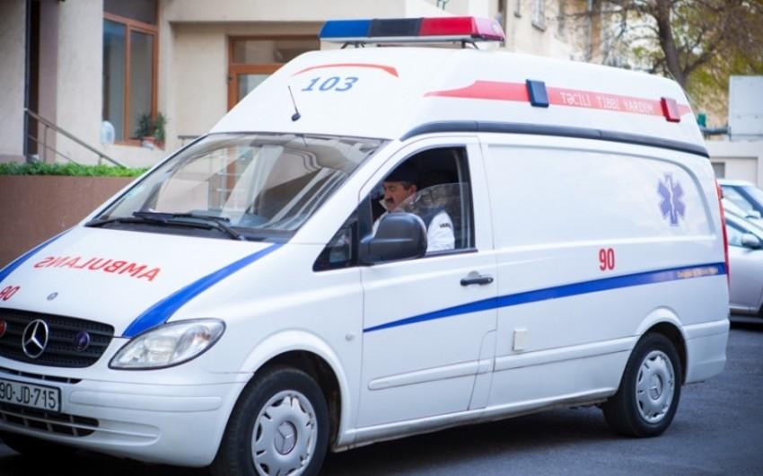 Bakıda üç avtomobil toqquşub, 3 nəfər ölüb, 5 nəfər xəsarət alıb
